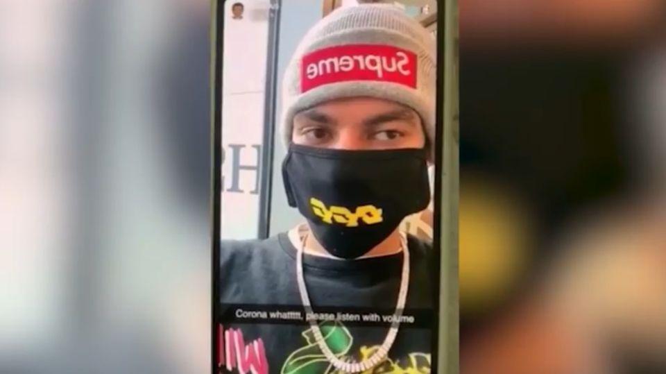 Dele Alli filmte sich am Flughafen mit einem Mundschutz
