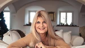 Marlène Charell, 75, zu Besuch bei ihrer Tochter in München. Sie lebt in La Rochette, Frankreich