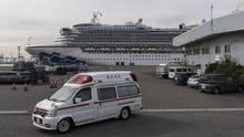 """Die """"Diamond Princess"""" im Hafen von Yokohama"""