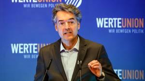 Werteunion-Vorsitzender Alexander Mitsch am Rednerpult