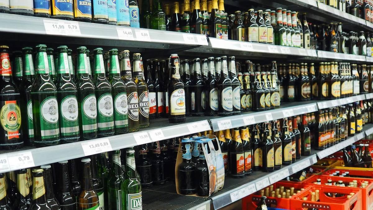 Warum Aldi Süd Glasflaschen ins Sortiment nimmt