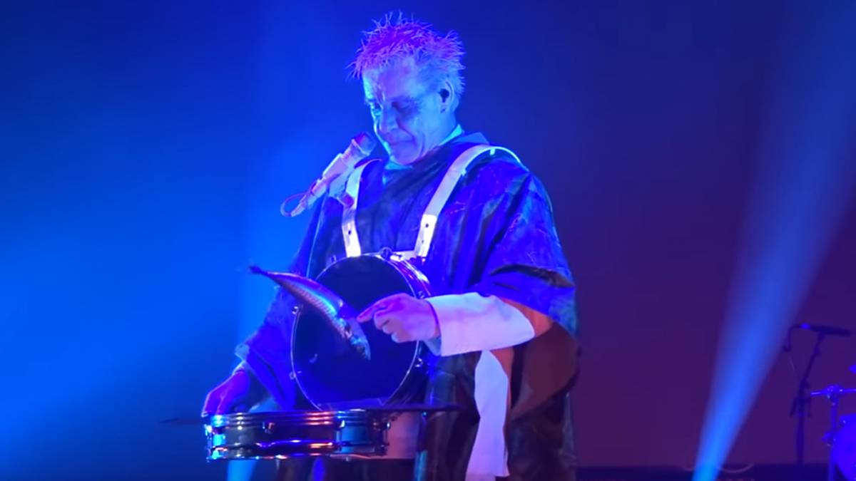 Till Lindemann: Der Rammstein-Sänger wirft tote Fische ins Publikum