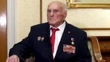 Alexej Botjan nimmt am 15. Januar 2020an einem Treffen von Veteranen des Zweiten Weltkriegs in Moskau teil