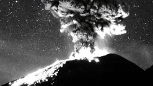 """Vulkanausbruch unterm Sternenhimmel – atemberaubende Aufnahmen vom """"Popocatepetl"""""""