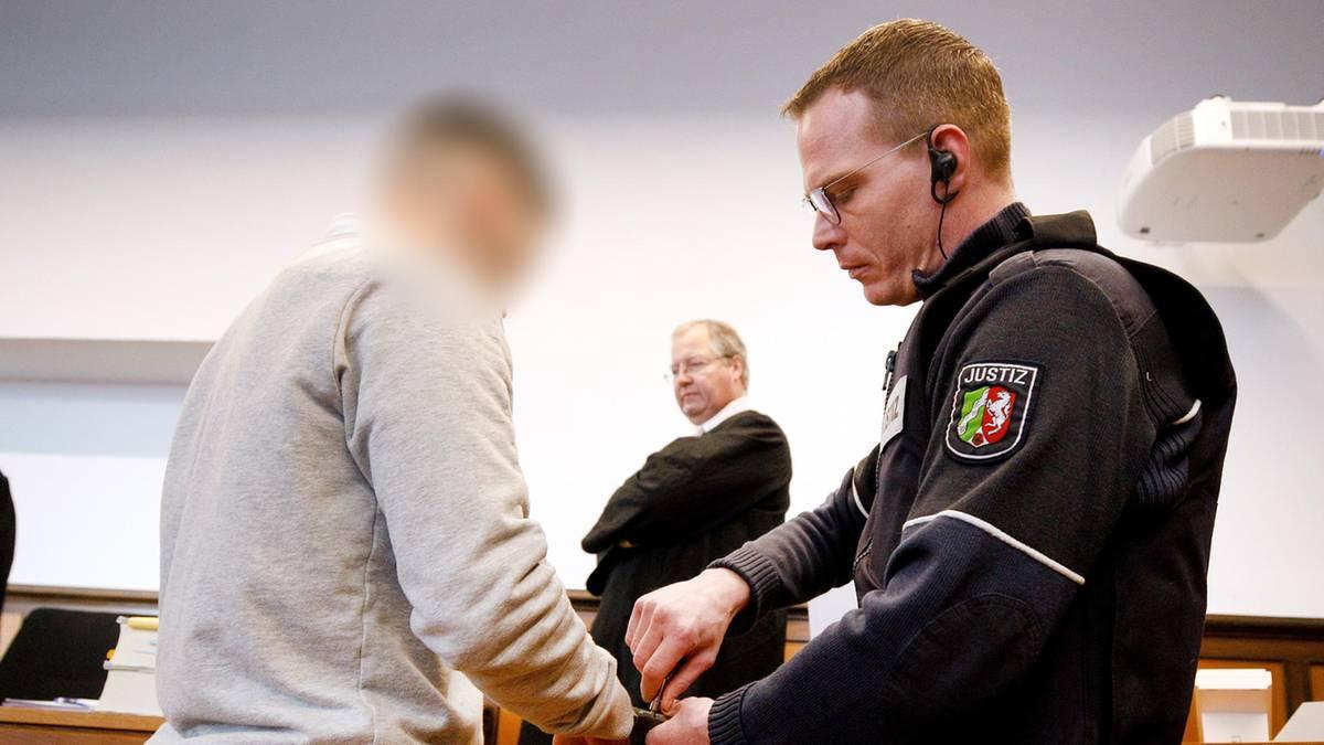 Tödliches Autorennen in Moers: 22-Jähriger wegen Mordes verurteilt