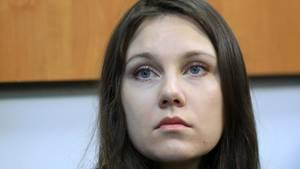 Alla I. vor einem Gericht in Sankt Petersburg: Sie mussper Gerichtsentscheid mindestens zwei Tagelang in Quarantäne bleiben