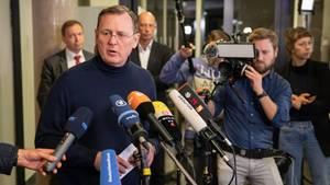 Bodo Ramelow (Linke) informiert nach einem Treffen von Rot-Rot-Grün mit der CDU im Landtag über die Gespräche