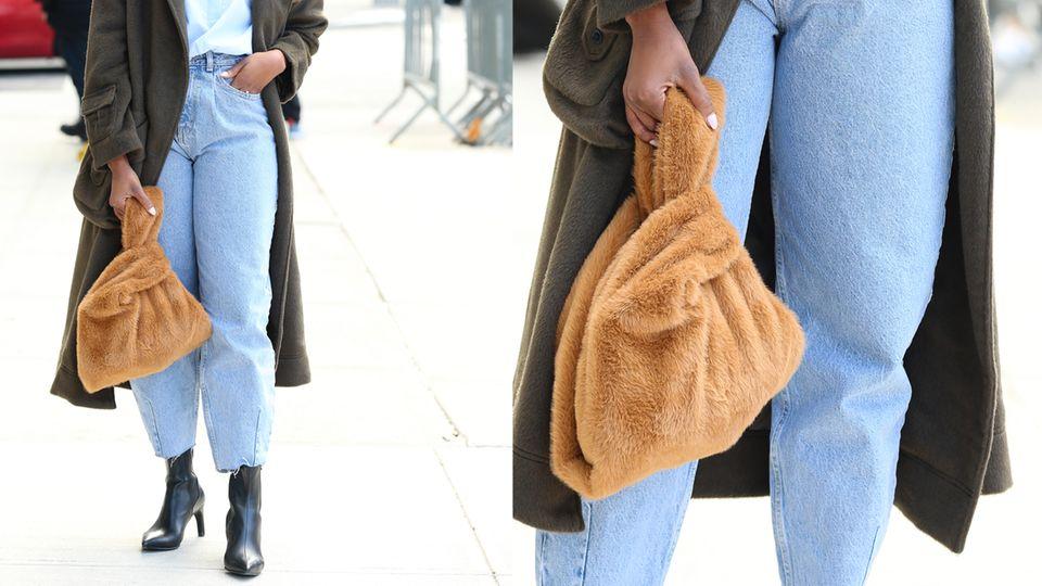 Frau mit Jeans auf der Straße