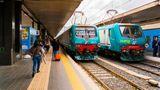 Roma Termin, Bahnsteig mit Loks