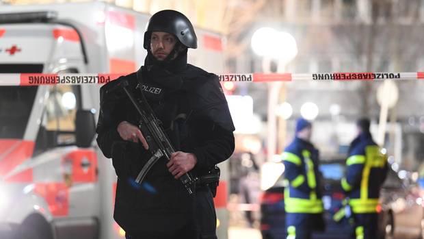 Hessen:Polizei und Rettungskräfte sind im Stadtteil Heumarkt im Einsatz.