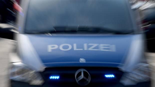 Nachrichten aus Deutschland: Einsatzwagen der Polizei
