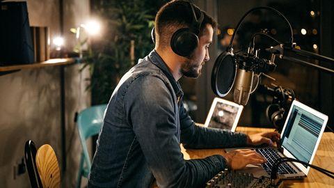 Podcast erstellen: Welche Ausrüstung benötigen Sie für hochwertige Aufnahmen?