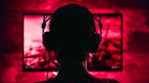Das Zuschauen bei Spiele-Streams gehört für viele Jugendliche zur Freizeit dazu (Symbolbild)