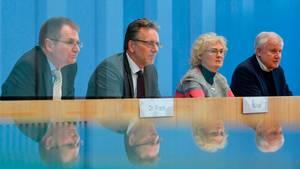 Horst Seehofer: Polizeipräsenz wird nach Anschlag  in ganz Deutschland erhöht