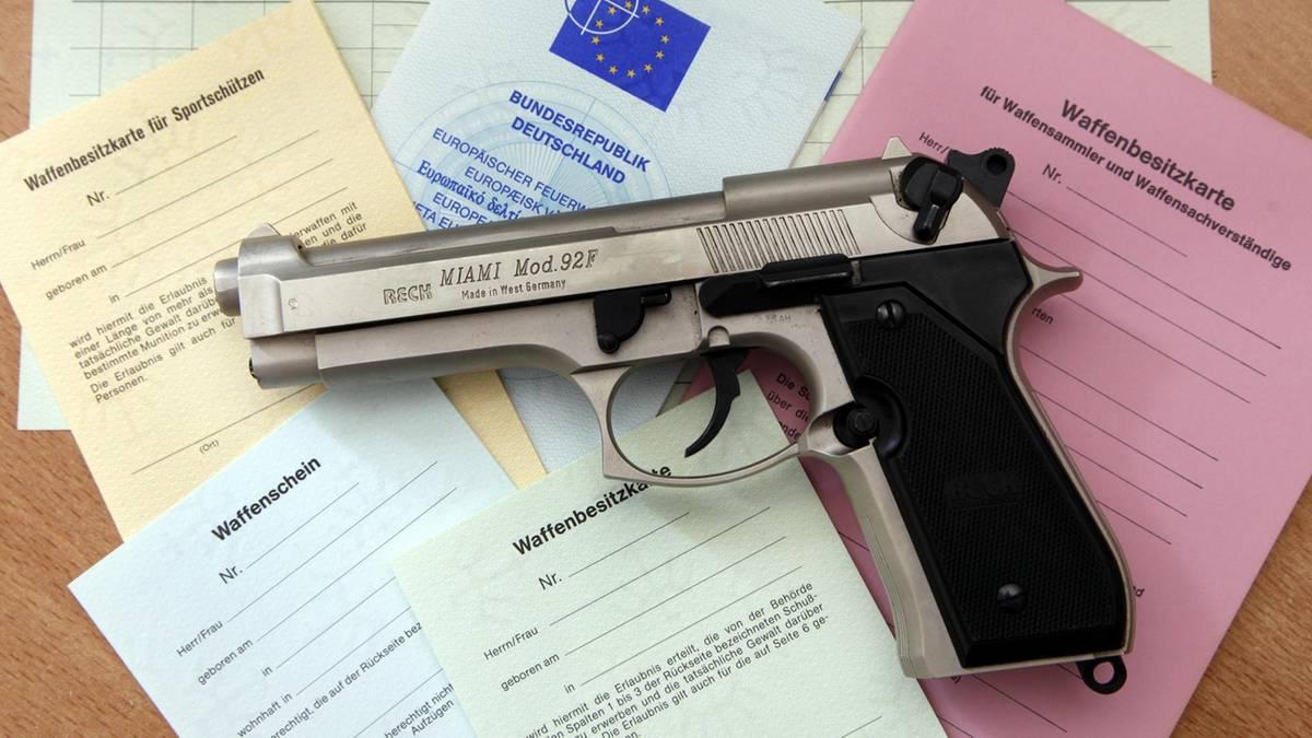 Wer darf in Deutschland eigentlich eine scharfe Schusswaffe tragen?