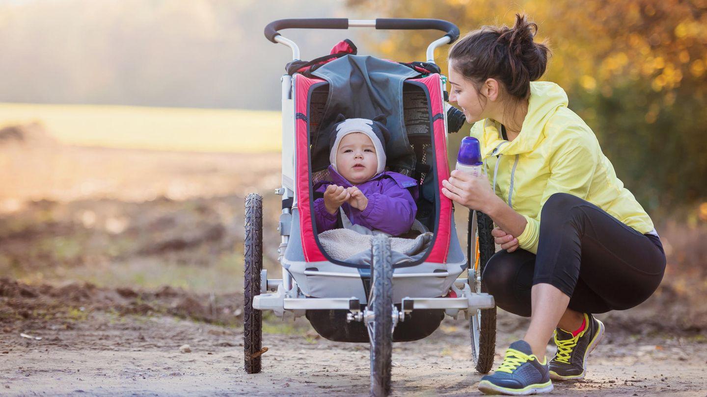 Mit einem Sportkinderwagen fällt das Joggen leichter
