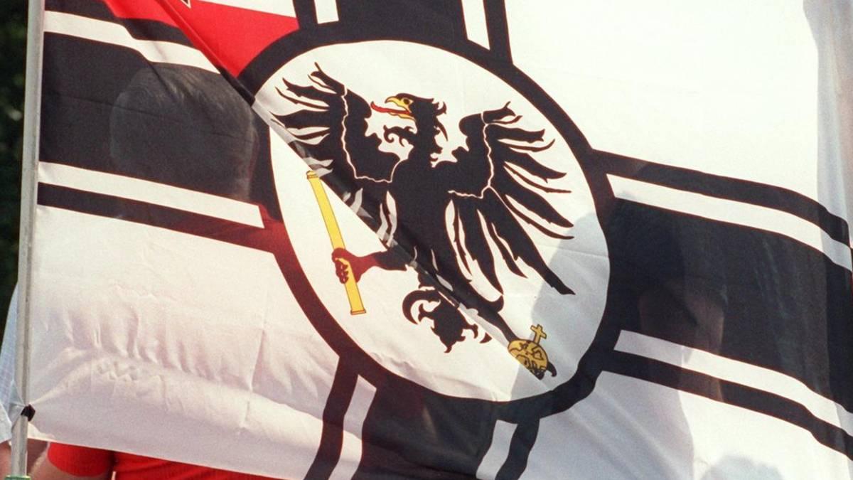 Mitarbeiter hatte Reichskriegsflagge auf dem Balkon – Hammer Polizei räumt Fehler ein