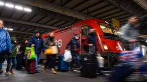 Zug unter Corona-Verdacht in München angekommen