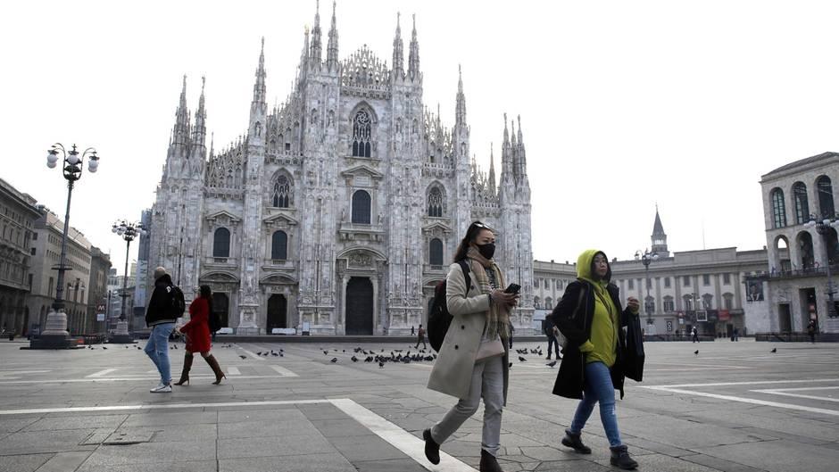 Italien, Milan: Nach dem Tod zweier Menschen sind Teile des öffentlichen Lebens zum Erliegen gekommen.