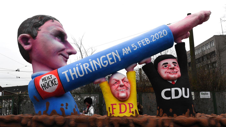 Für den aktuellen Rosenmontag in Düsseldorf hat sich Jacques Tilly von der Thüringen-Wahl inspirieren lassen
