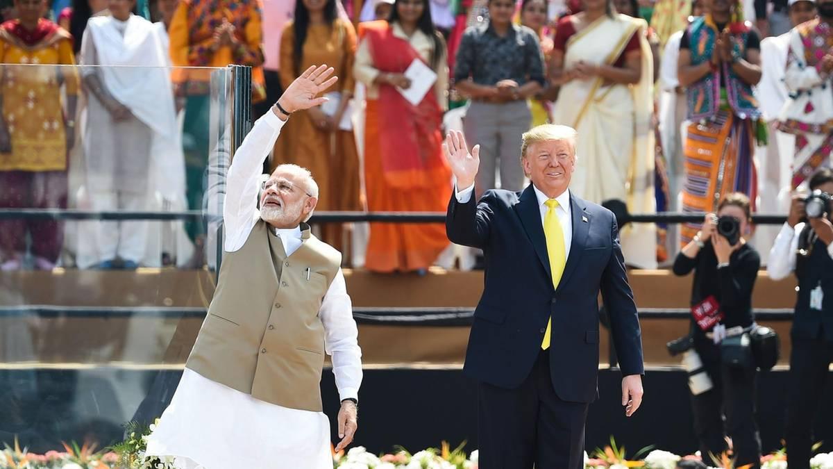 """""""Er spricht fließend ausländisch"""": Trump twittert auf Hindi – und bekommt darauf böse Antworten"""
