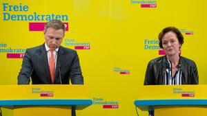 FDP-Parteichef Christian Lindner und Anna von Treuenfels-Frowein (FDP), Spitzenkandidatin zur Bürgerschaftswahl in Hamburg