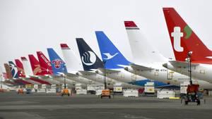 Fabrikneue Boeing 737 Max, die auf dem Flughafen Moses Lake im Bundesstaat Washington geparkt sind