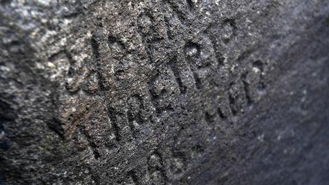 Inschrift in Plougastel-Daoulas