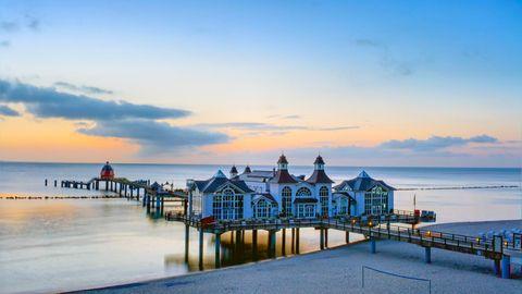 Platz 6: Rügen, Deutschland   International schwer im Kommen: Deutschlands größte Insel. Neben der Seebrückein Selin (Foto) gibt es auf Rügen auch zwei Nationalparks, eine ehemalige Königsresidenz und ein Strandschloss.