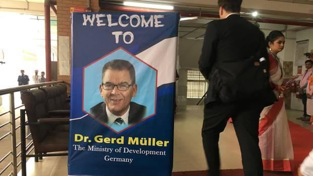 stern-Reporter Tilman Gerwien reist mit Entwicklungsminister Gerd Müller