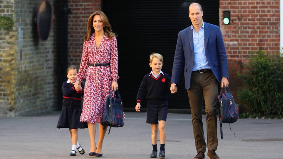 Herzogin Kate und Prinz William mit ihren Kindern Charlotte und George