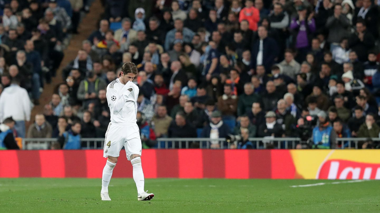 Champions League: Real-Kapitän Sergio Ramos trottet über den Rasen des Estadio Bernabeu