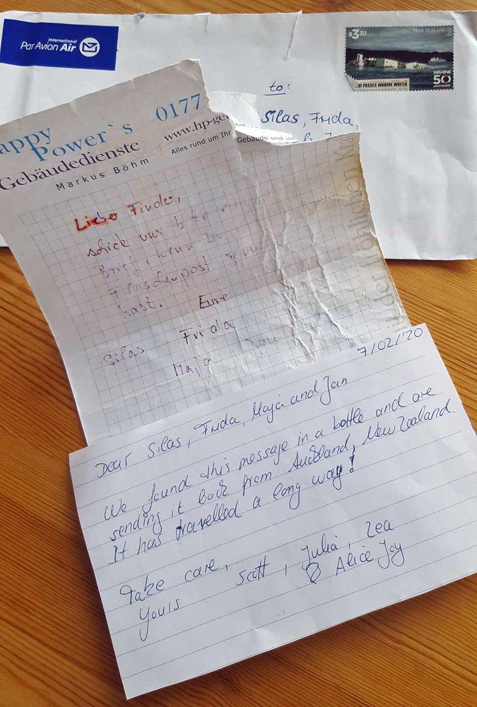 Der in einer Flaschenpost gefundener Brief und das Antwortschreiben aus Neuseeland