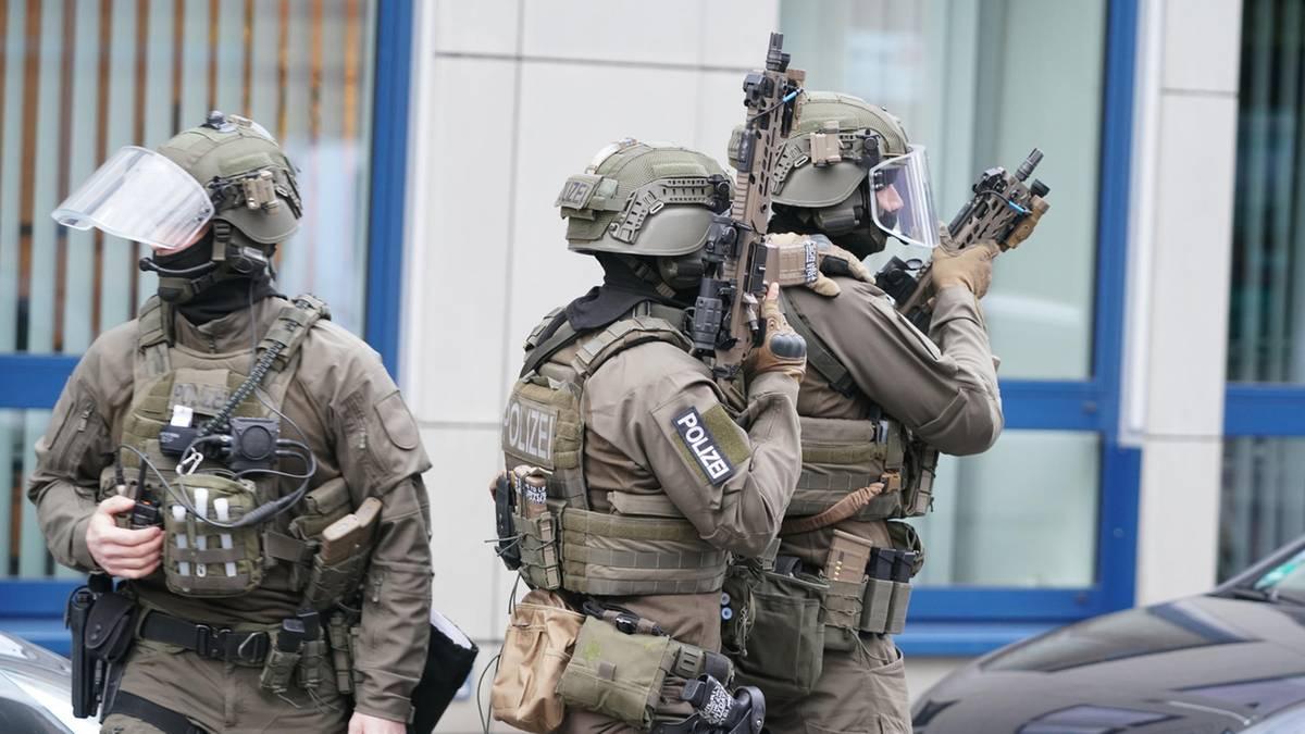Elfjähriger schießt mit Waffe in die Luft – SEK stürmt Wohnung