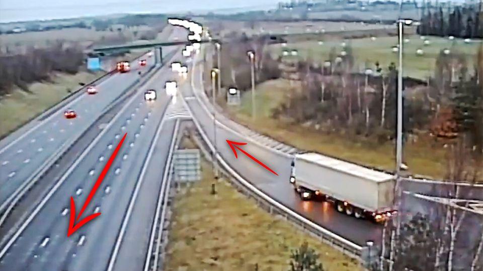 Ein LKW-Fahrer fährt in den Gegenverkehr.