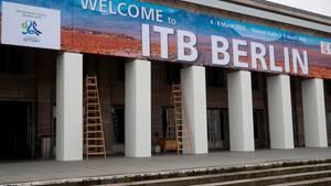 """""""Welcome to ITB Berlin"""" steht auf einem Schild über dem Eingang zur Messe Berlin - in diesem Jahr heißt es nicht """"welcome"""""""