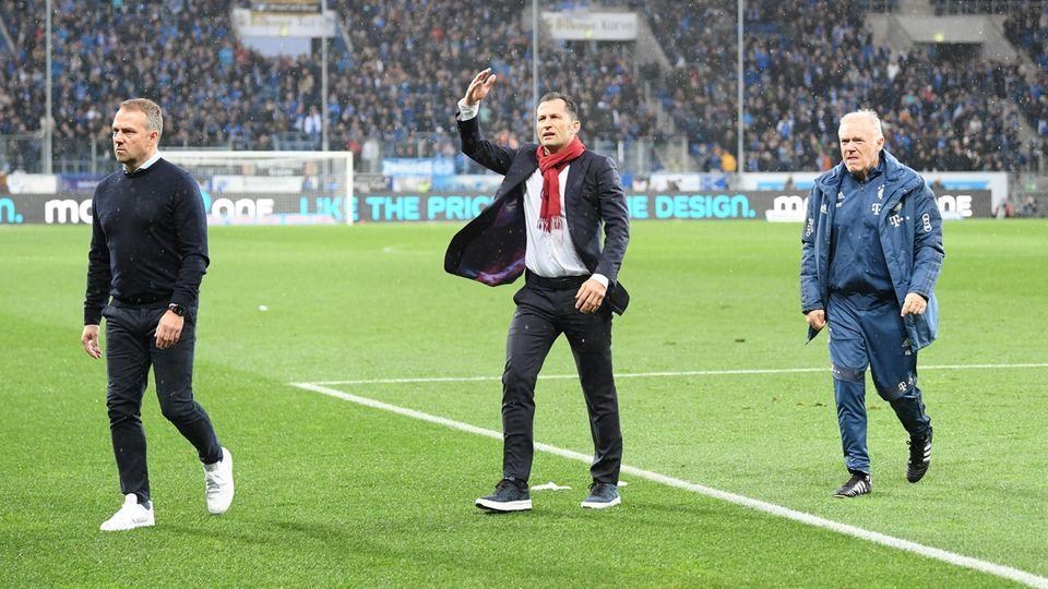 Hansi Flick,Hasan Salihamidzic undHermann Gerland liefen in die Bayern-Kurve, um die Fans zur Räson zu bringen