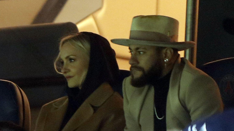 Janin Ullmann und Neymar auf der VIP-Tribüne vonParis Saint-Germain