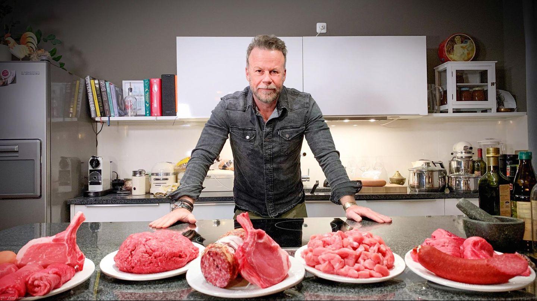 Jenke von Wilmsdorff isst zwei Wochen lang ausschließlich Fleisch.