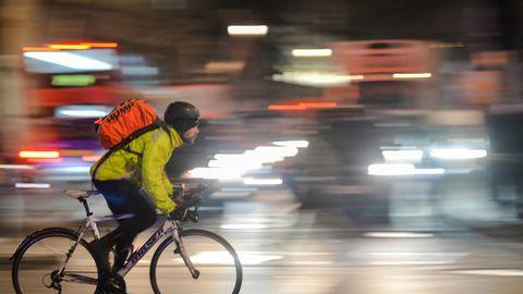 Autofahren soll langsamer werden, Radfahren sicherer.