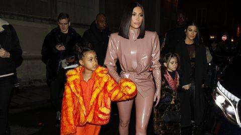 Kanye West und Tochter North bei Auftritt in Paris
