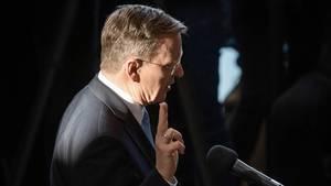 Der neu gewählte Ministerpräsident Bodo Ramelow (Die Linke) leistest seinen Amtseid im Landtag