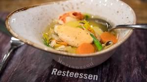 Beim Resteessen im Bremerhavener Atalantic Sail City Hotel wird Fischsuppe serviert.