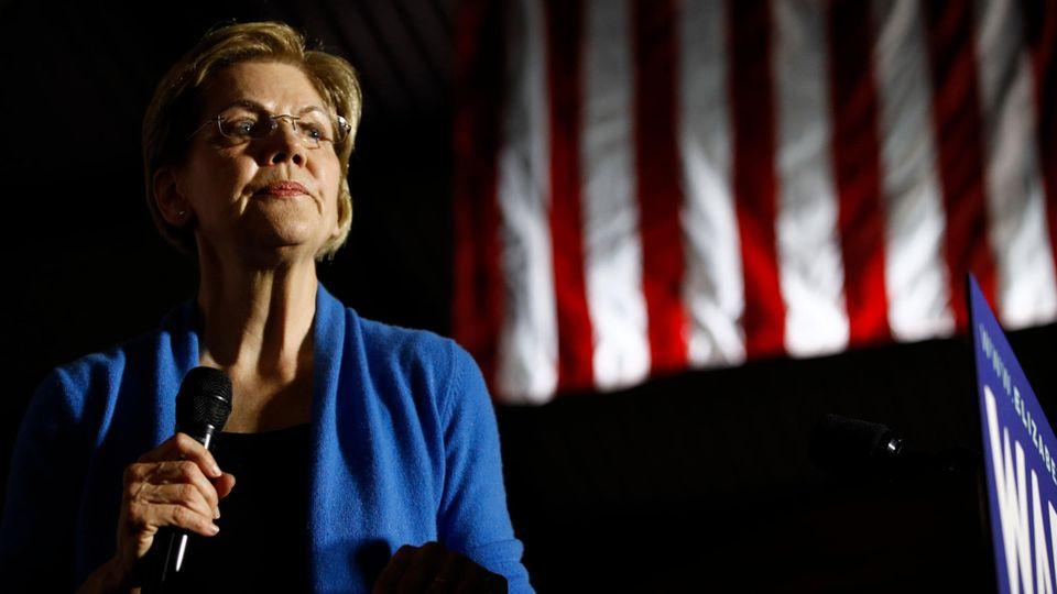 """Elizabeth Warren während einer Veranstaltung am """"Super Tuesday"""""""