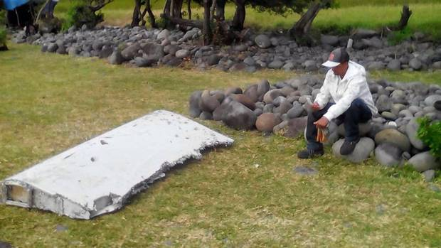 Ende Juli 2015 wurde dieses Wrackteil von MH370 auf der InselLa Reunion angespült