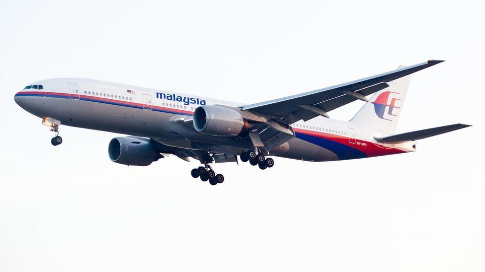Eine Boeing 777-200 der Fluggesellschaft Malaysia Airlines:eine Maschine diesen Typswird seit dem 8. März 2014 vermisst.