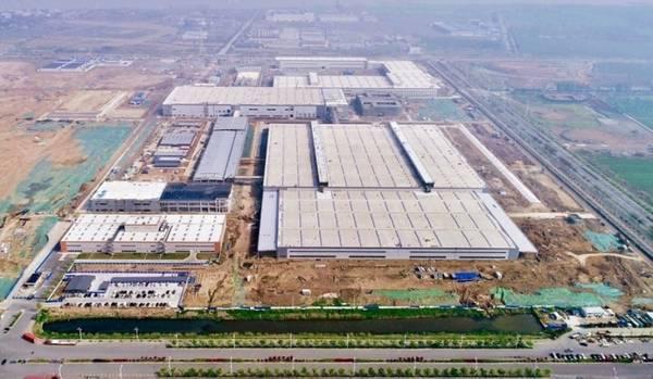 Auch die Fabriken der Automobilindustrie sind von dem Virus betroffen