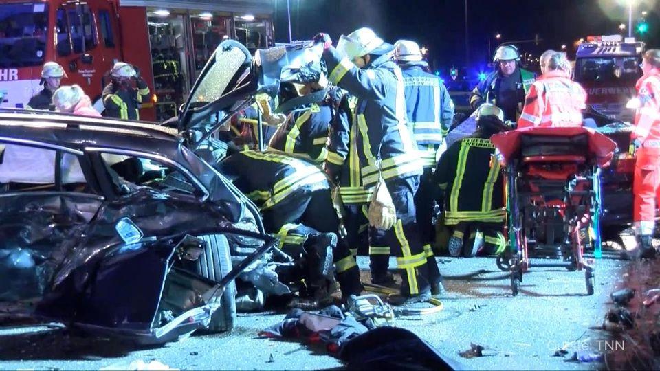 Weinheim: Vier Menschen nach schwerem Unfall im Krankenhaus