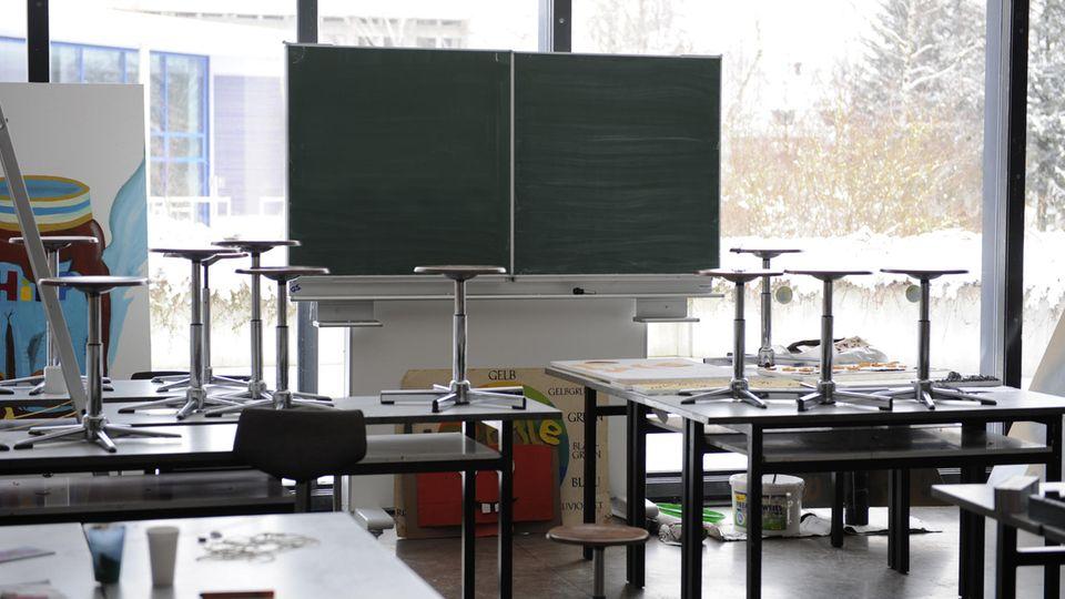 Viele Klassenzimmer bleiben derzeit leer – Schuld ist das Coronavirus