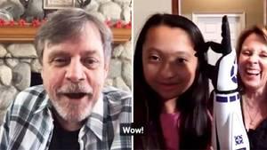 """""""Star Wars"""": Junger Fan bekommt bionischen R2D2-Arm – und ein Gespräch mit Luke Skywalker"""